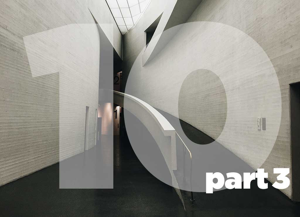 A long ramp with natural illumination from above. Designed as a fundamental part of the architectural design.